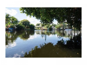 Waterfront home for sale in Wilton Manors
