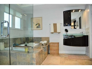 Spa like bathroom Ft Lauderdale home for sale