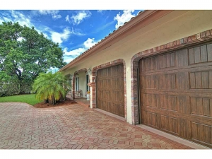 Garage at Fort Lauderdale home for sale