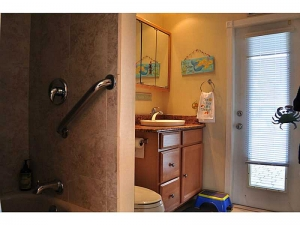 waterfront homes for sale Wilton Manors