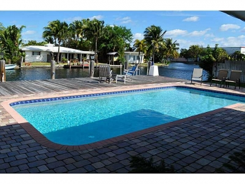 Homes with canal & pool for sale Wilton Manors