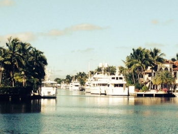 las olas luxury homes