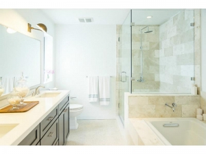 Bathroom Wilton Manors home for sale