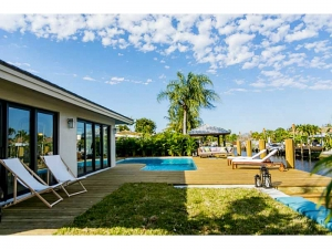 Wilton Manors modern homes