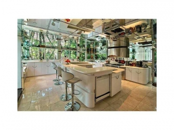 kitchen Las Olas luxury home for sale