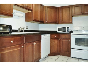 Kitchen Fort Lauderdale condo for sale