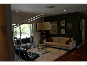 Living space Oakland Park home for sale