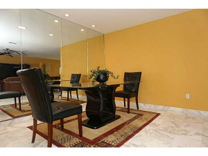 Dining space Fort Lauderdale luxury home for sale