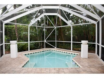 Homes with pools for sale in Wilton Manors